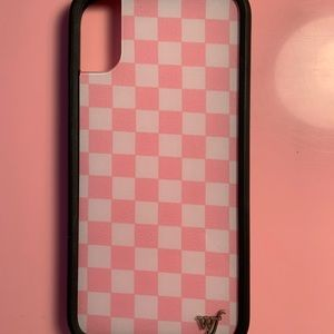 Pink checkers wildflower case